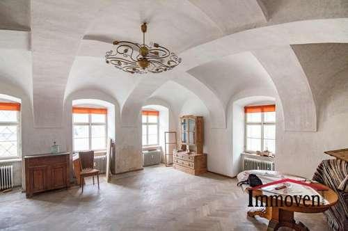EXKLUSIVER LANDSITZ! Renovierungsbedürftiges, sehr schönes Herrenhaus - auch als Gewerbeobjekt nutzbar!