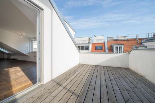 3-Zimmer-Altbau-Maisonette mit Innenhof-Terrasse
