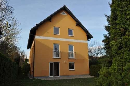 TOP ZUSTAND: helle Doppelhaushälfte mit schönem Garten
