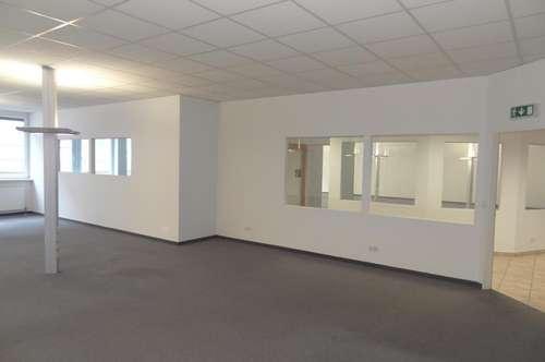 Großzügige und barrierefrei erreichbare Bürofläche zu vermieten