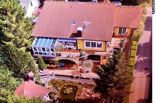 Dolce Vita-Mehrfamilienhaus bzw. Villa der Superlative in A-2560 Grillenberg (Bezirk Baden)