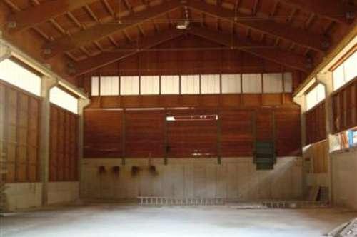 Lagerhalle- Produktionshalle mit Hallenkran