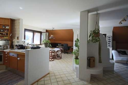 Großzügige 2 Zimmer Dachgeschoßwohnung in Geidorf mit 2 Balkonen inkl Tiefgaragenabstellplatz!