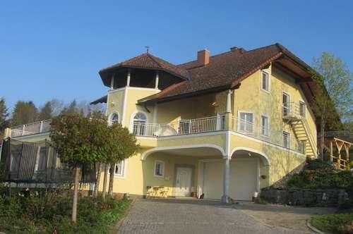 ACHTUNG NEUER PREIS - Wunderschöne Villa in exklusiver Ausführung mit atemberaubender Aussicht !