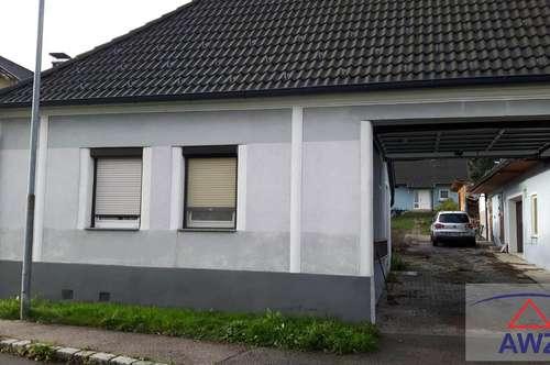 Schönes Wohnhaus mit Halle zu vermieten