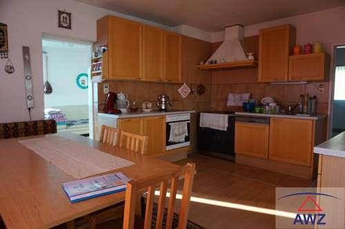 Liebevoll renoviertes Einfamilienhaus mit Autowerkstatt nähe Freistadt