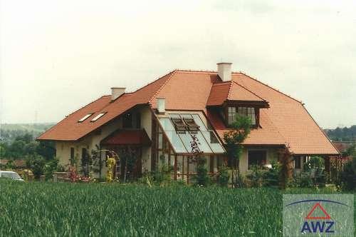 Schöne Landhausvilla mit gehobener Ausstattung.