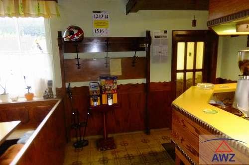 Gasthaus mit Fremdenzimmer und Wohnung