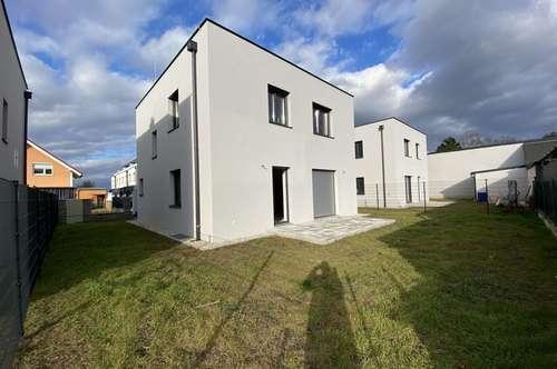Erstbezug mit Garten, Auto-Abstellplatz, Voll unterkeller, 4 Zimmer + 2 Zimmer (Hobbyraum,Keller) mit guter Austattung in guter Lage.