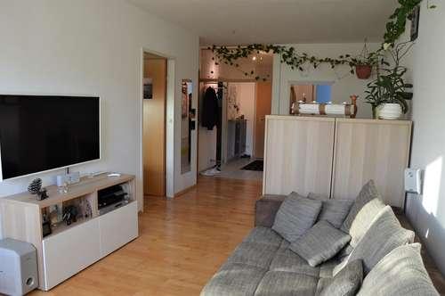 Sonnendurchflutete 2-Zimmer-Wohnung mit Loggia und TGAAP