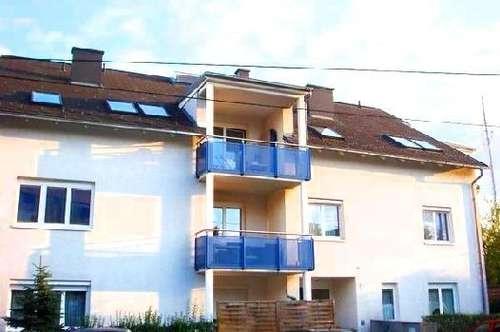 Günstige 2 Zimmerwohnung mit Balkon! HK inkl. + Stellplatz!!