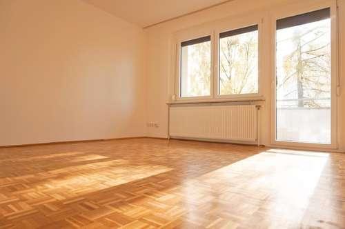 Schöne | Sanierte 3 Zimmerwohnung mit Balkon am Froschberg!