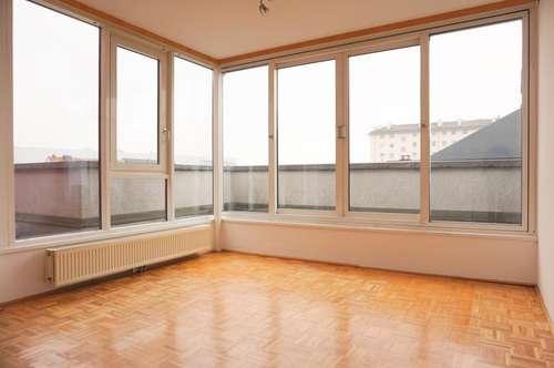 Helle | moderne 3 Zimmerwohnung im DG mit Terrasse!!