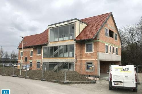 Wohnen am Brachsenweg - gemütliche 45m² DG Wohnung mit kleiner Loggia - Bezug September 2019