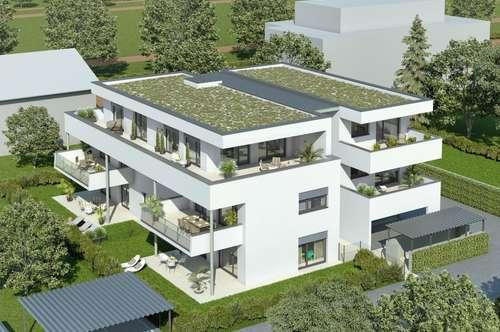 Zwei Balkone in ruhigem kleinen Projekt