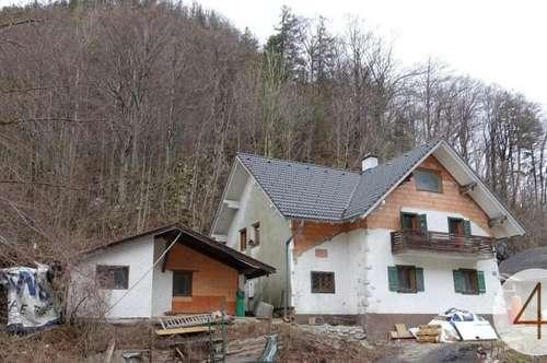 Renovierungsbedürftiges kleines Haus in Weißenbach am Attersee