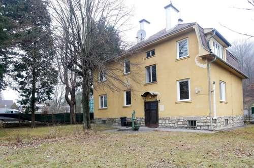 Sanierungsbedürftige Mehrfamilienhaus reserviert!