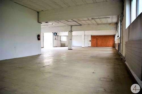 450m² große Halle mit Büro