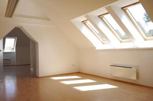 sehr helle und moderne DG Wohnung in Grün-Ruhelage mit Badewanne zur Miete