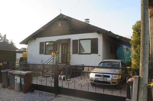Gepflegtes, modernisiertes Einfamilienhaus mit großem Garten in absoluter Ruhelage!