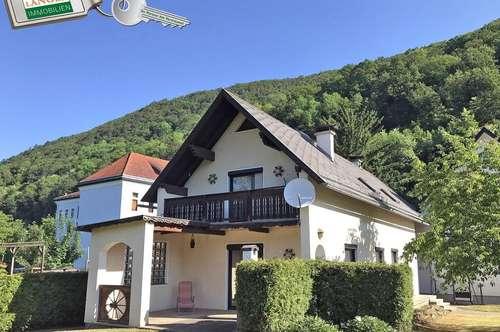 Einfamilienhaus in sonniger Lage mit schöner Aussicht!!!