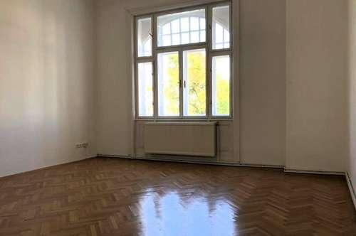 MANNLICHER | Top sanierte Altbauwohnung (3 Zimmer) mit kleinem Balkon im Zentrum von Mödling