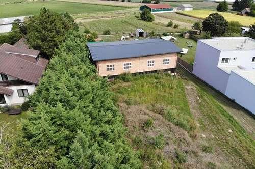 Groß Schweinbarth: Neu gebaute Garage, Stadel, Werkstätte