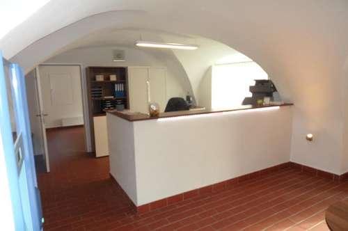 Geschäftslokal / Weinbar
