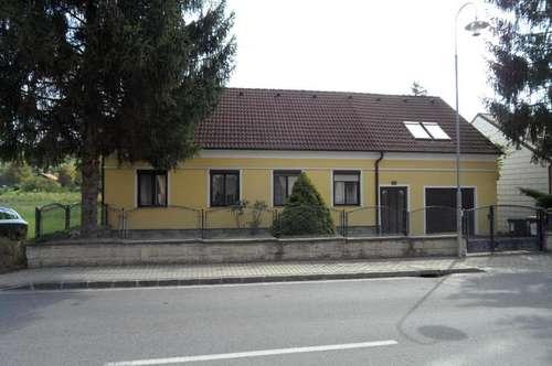 Hörersdorf, schönes Einfamilienhaus mit großem Garten