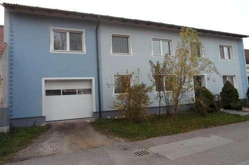 Enzersdorf/Staatz: Großes Mehrfamilienhaus