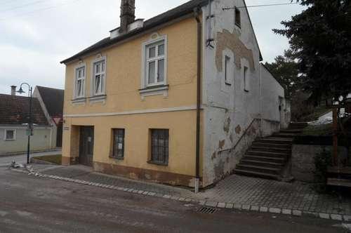 Herrnbaumgarten: Renovierungsbedürftiges Bauernhaus