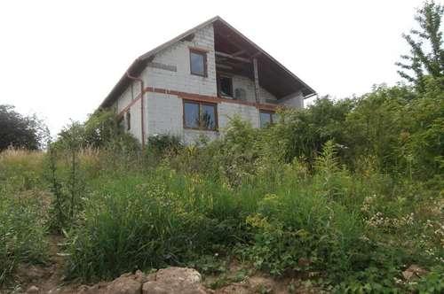 Obersulz: Einfamilienhaus mit Gestaltungsspielraum