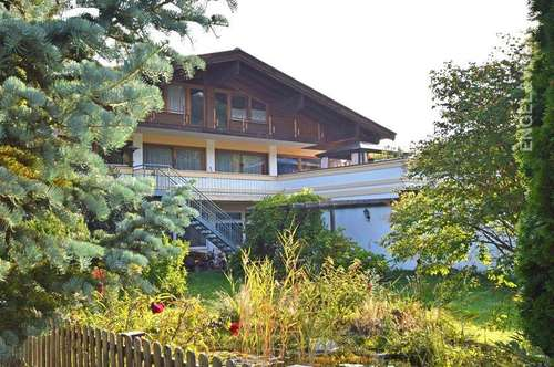 W-02DPHV Mehrfamilienhaus mit Gewerbeanteil in zentraler Lage