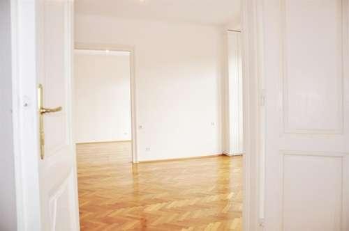 Altbau-Wohntraum mit Balkon am Vogelweidplatz | 3,5 Zimmer | unbefristet