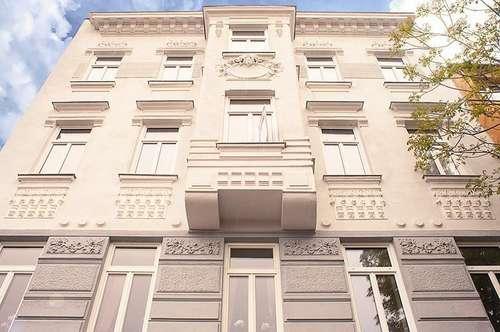 Stilaltbau mit Balkon & privatem Aufzug