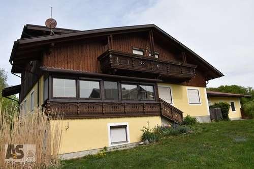 Haus mit 2 sep. Wohnungen, Keller u. 3 Garagen, sonnig, ruhig, Naturlage Eggelsberg, nahe Moosdorf