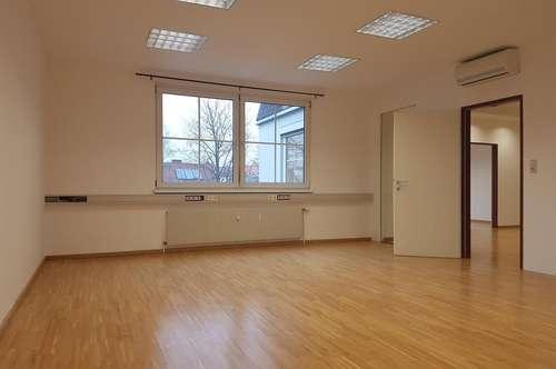 Nähe Messe, Ost-Bahnhof und Stadion Liebenau - sehr gepflegtes, barrierefreies 2-Zimmer-Büro im 1. Liftstock!