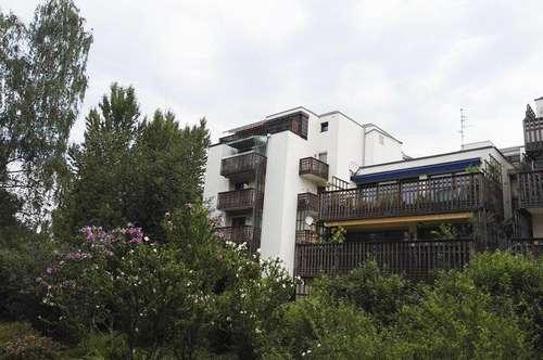 Reizende 2 Zimmer Wohnung + 2 Balkone, in gepflegter und ruhigen Lage von Lehen