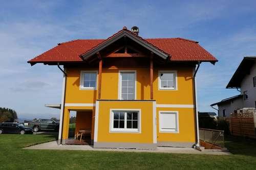 Großzügiges Haus in schöner grün Lage von Seekirchen am Wallersee!!