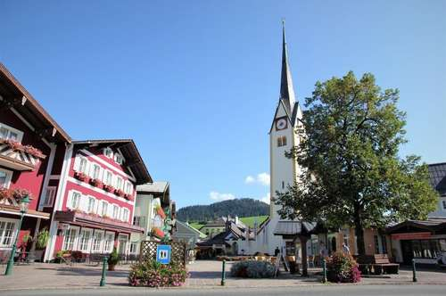 Abtenau: Wohn- und Geschäftshaus am Ortsplatz zu verkaufen