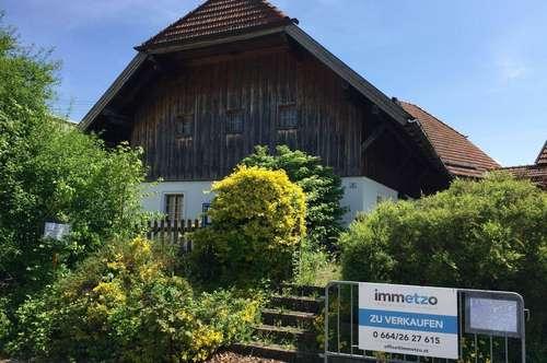 Gebäude-Duo Nahe Vöcklabruck