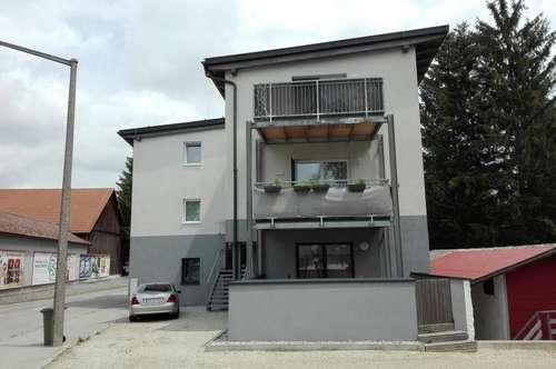 Generalsierte 3-Zimmer-Wohnung mit Terrasse in zentraler Lage in Ried