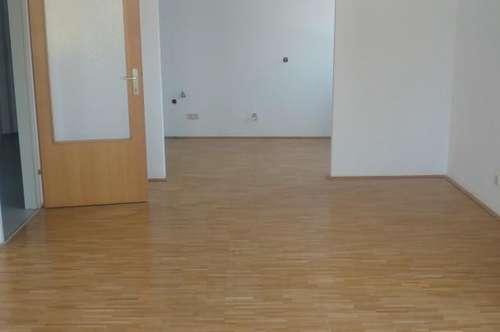 Gut aufgeteilte 2-Zimmer-Mietwohnung mit neuer Küche im Zentrum von Lambach