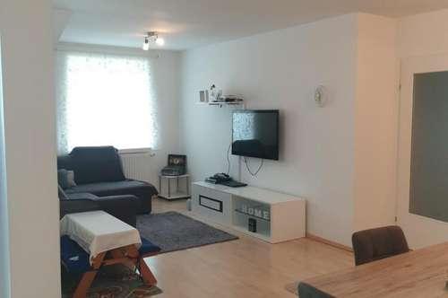 Geräumige, gut aufgeteilte 4-Zimmer Wohnung mit Terrasse in bekannter Wohnlage in Ried