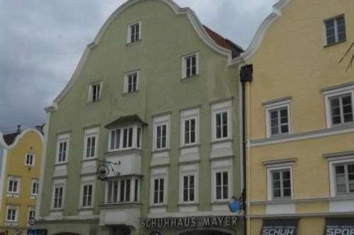 Neuwertige 2-Zimmer-Wohnung mit möblierter Küche im Zentrum von Schärding