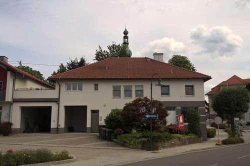 Großzügige, gut aufgeteilte, neuwertige 3-Zimmer-Wohnung mit möblierter Küche in Aspach