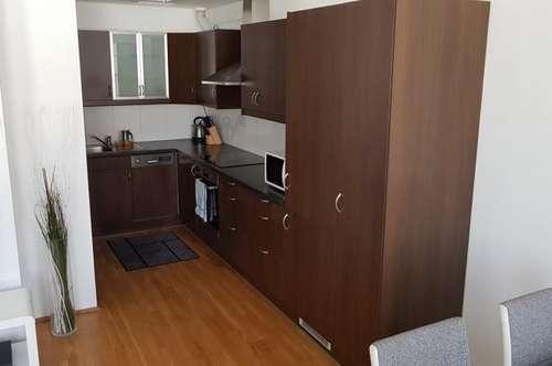Moderne 2-Zimmer-Wohnung im Zentrum von Ried mit möblierter Küche