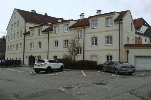 Gemütliche 2-Zimmer-Wohnung mit Balkon und möblierter Küche in Obernberg