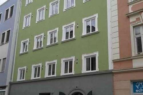 Kapitalanlage oder Eigennutzung: 2-Zimmer-Wohnung mit Dachterrasse in bester Zentrumslage, derzeit vermietet