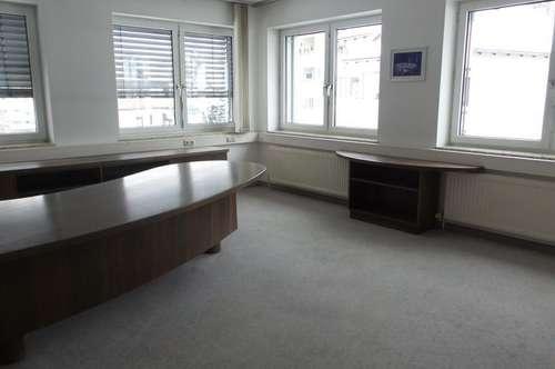 Barriefreie Büro-Praxis- Kanzlei oder ..........mit Lift und Tiefgaragenplätze auch teilbar